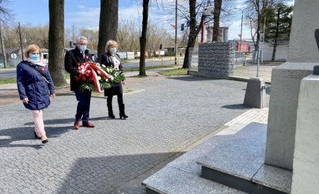 pomnik9